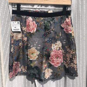 Zara Floral Shorts NWT Size Small